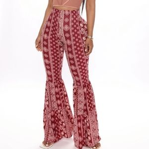 Fashion nova Roxanne Flare Pant - Burgundy